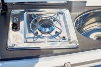755-cruiser-details-1019_stove-lpg_f