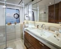 Princess-30M-Starboard-Double-Bathroom