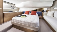 f45-interior-owners-stateroom-rovere-oak-satin_01-1170x658