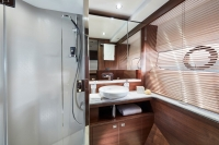 princess-70-starboard-twin-bathroom-rt