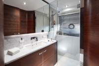 s78-starboard-bathroom-2-rt