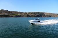 v40-exterior-white-hull-1-1200x800