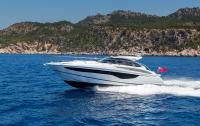 v40-exterior-white-hull-4a