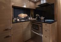 v48-open-galley-rovere-oak-gloss-1019x700