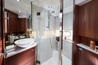 v50-forward-bathroom-1-rt
