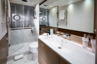 v65-master-bathroom-rt