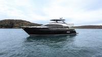 y85-exterior-blue-hull-sea-trial-2-1170x658