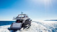 88-motor-yacht-exterior-blue-hull-with-hardtop-2-1170x658