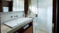 88-motor-yacht-interior-starboard-bathroom-american-walnut-satin-hermes-1170x658