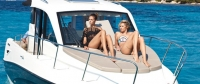 855-cruiser-dtls-104_optional-foredeck-sunlounge_f