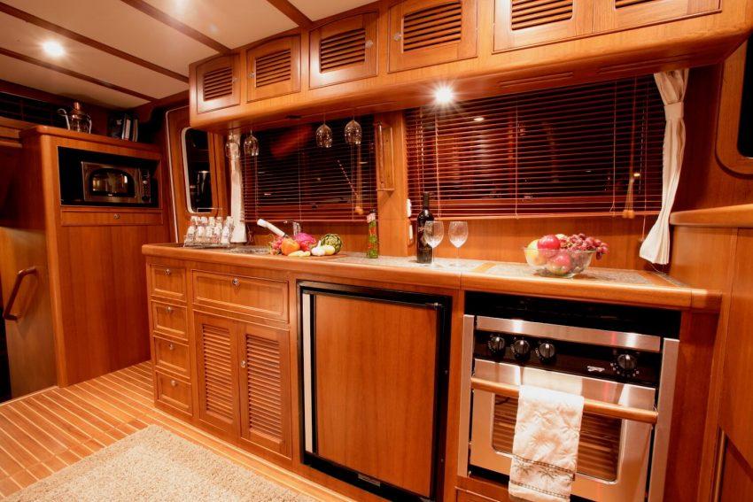 Selene 42 Voyager Aft-cabin