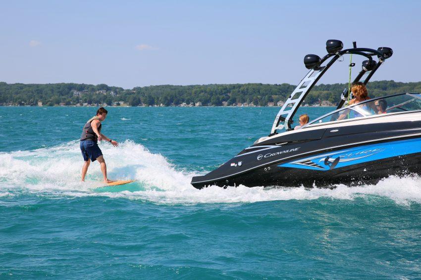 Crownline E 235 SURF