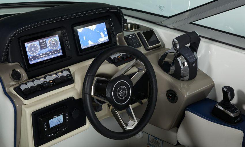 Crownline E305 XS