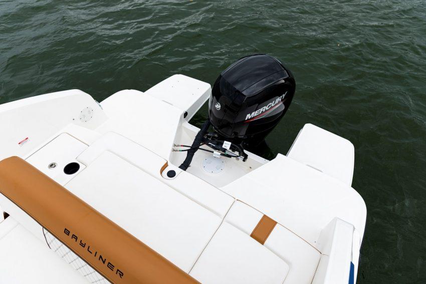 Bayliner DX2200