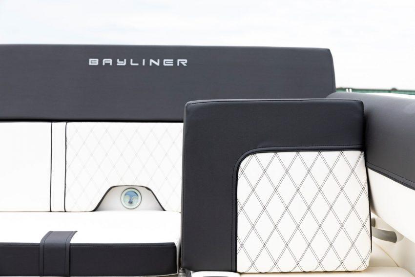 Bayliner DX2000