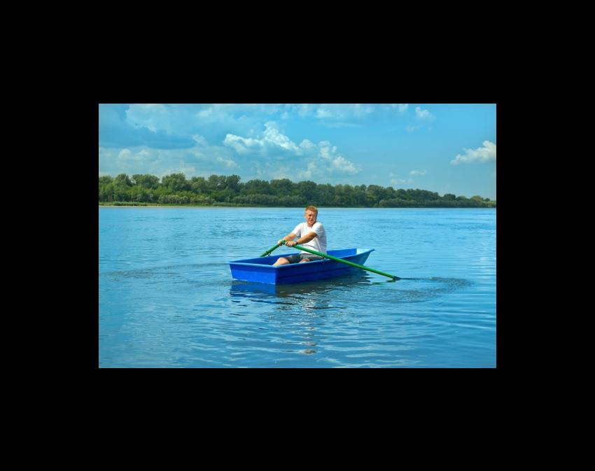 Стеклопластиковая лодка Малютка