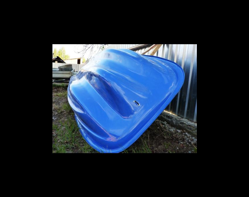 Стеклопластиковая лодка Старт (тримаран)