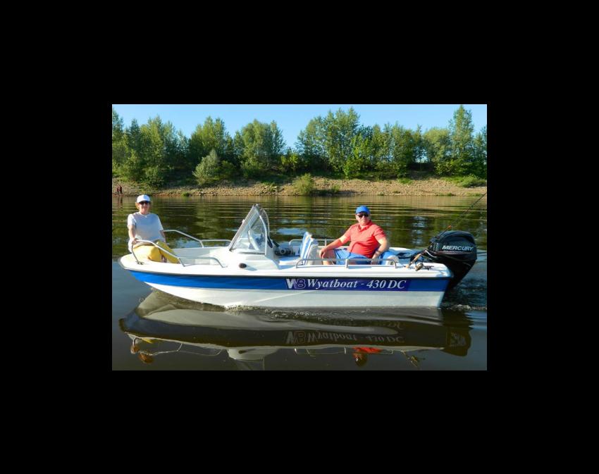Wyatboat-430 DC (тримаран)